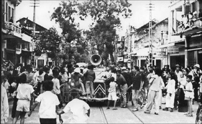 Phát lệnh toàn quốc kháng chiến ở Hà Nội, tháng 12/1946. Ảnh: Tư liệu/TTXVN phát